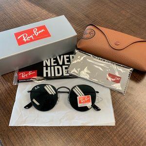RayBan Round Sunglasses - NWT - Black